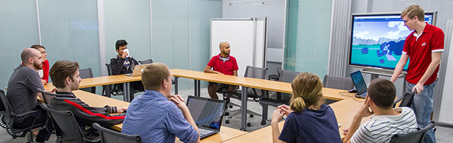 Students using Synapse meeting space